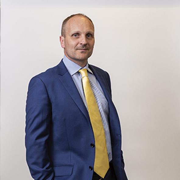 JamesWalker,Partner,PrivateClients